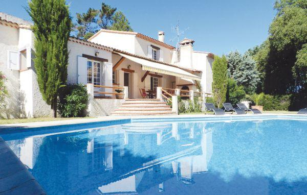 4 bedroom Villa in Saint Aygulf, Cote D Azur, Var, France : ref 2041864 - Image 1 - Saint-Aygulf - rentals