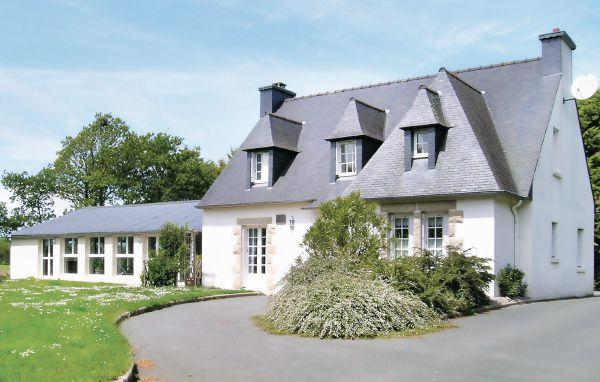 5 bedroom Villa in Yvias, Brittany - Northern, Cotes D Armor, France : ref - Image 1 - Plourivo - rentals