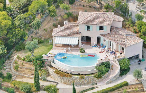 4 bedroom Villa in Cavalaire, Cote D Azur, Var, France : ref 2041991 - Image 1 - Cavalaire-Sur-Mer - rentals