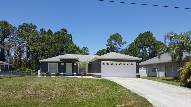 Super clean vacation Villa with Pool - Image 1 - North Port - rentals