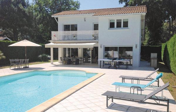 5 bedroom Villa in Lege Cap Ferret, Aquitaine, Gironde, France : ref 2042212 - Image 1 - Cap-Ferret - rentals