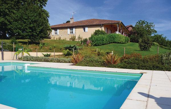 5 bedroom Villa in Bourgougnague, Aquitaine, Lot Et Garonne, France : ref 2042428 - Image 1 - Bourgougnague - rentals