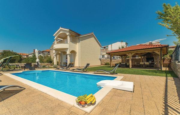 4 bedroom Villa in Sibenik Pirovac, Northern Dalmatia, Sibenik, Croatia : ref 2042887 - Image 1 - Pirovac - rentals
