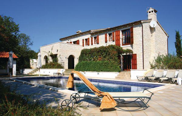 5 bedroom Villa in Visnjan, Istria, Croatia : ref 2043344 - Image 1 - Baderna - rentals