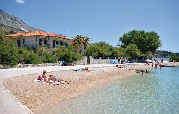 6 bedroom Villa in Omis Dugi Rat, Central Dalmatia, Omis, Croatia : ref 2045236 - Image 1 - Sumpetar - rentals