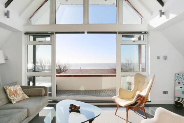 The Moorings - A unique beachfront house in Goring-by-Sea, West Sussex - Spectacular beachfront holiday home, West Sussex - Worthing - rentals