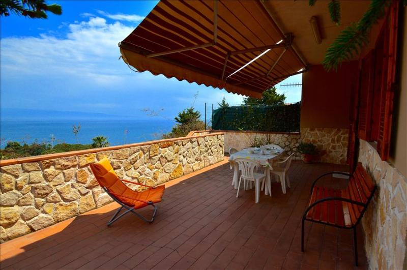Apartment Indaco - house with sea view in Sant'Alessio Siculo - Image 1 - Sant' Alessio Siculo - rentals