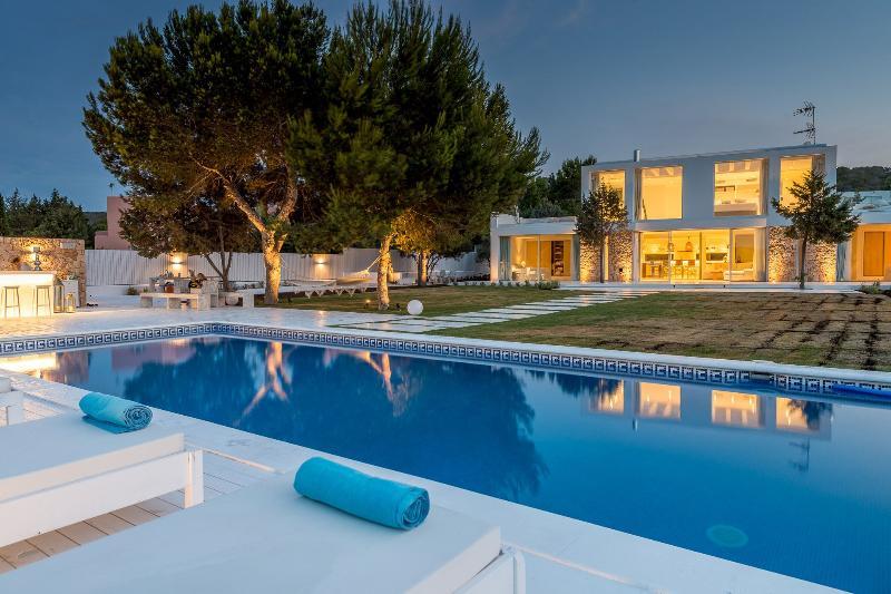 Villa Bright - Image 1 - San Agustin - rentals