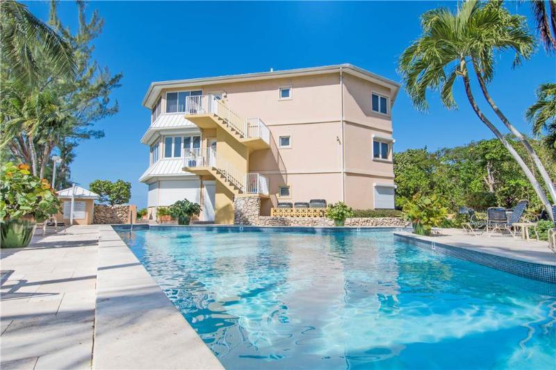 Poinsettia #B4 - Image 1 - Grand Cayman - rentals