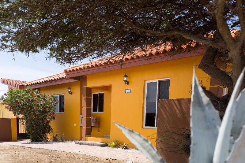 Boleros Alto Vista Villa - Image 1 - Noord - rentals