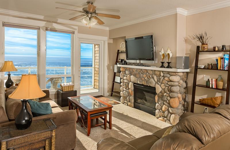 Top floor ocean view - 2 Bdrm, Top Floor, HOT TUB - Lincoln City - rentals