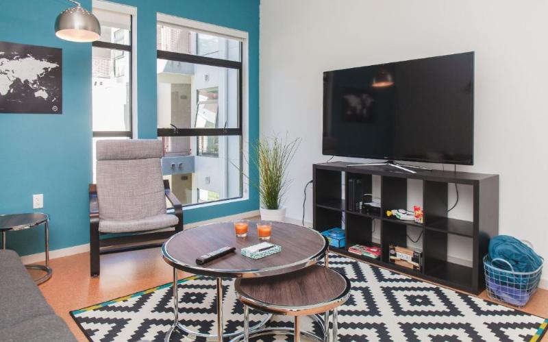 STUNNING 2 BEDROOM APARTMENT IN LOS ANGELES - Image 1 - Los Angeles - rentals
