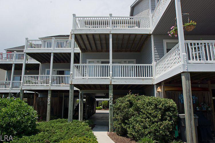Exterior Front - 3 Gulls & A Buoy- Peek-A-Boo Ocean views, Spacious decks and Cozy Decor - Surf City - rentals