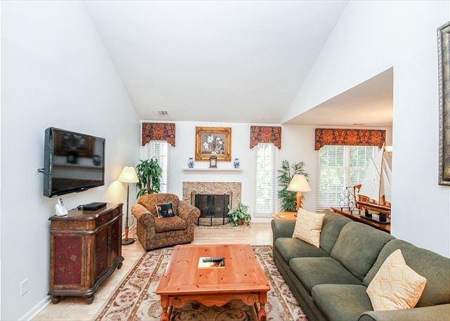 Living Room - Evian 123, 2nd Floor, 2 Bedrooms, Shipyard Plantation, Pool & Tennis - Forest Beach - rentals