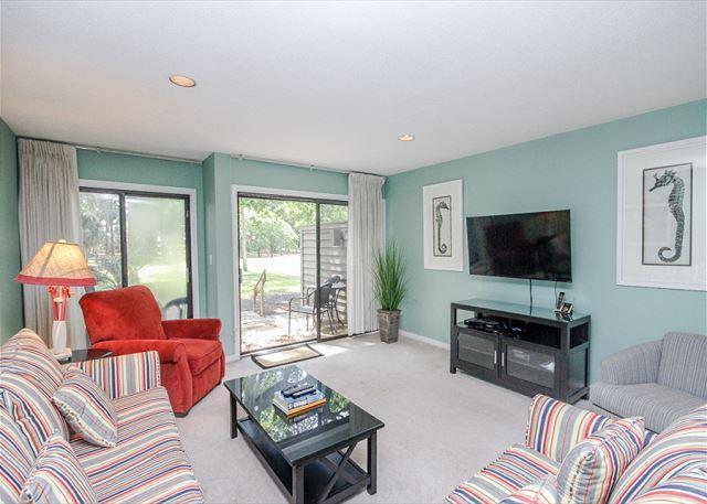 Greens 195, 2 Bedrooms, Near Beach, Ocean Pool, Golf View, Sleeps 6 - Image 1 - South Carolina Island Area - rentals