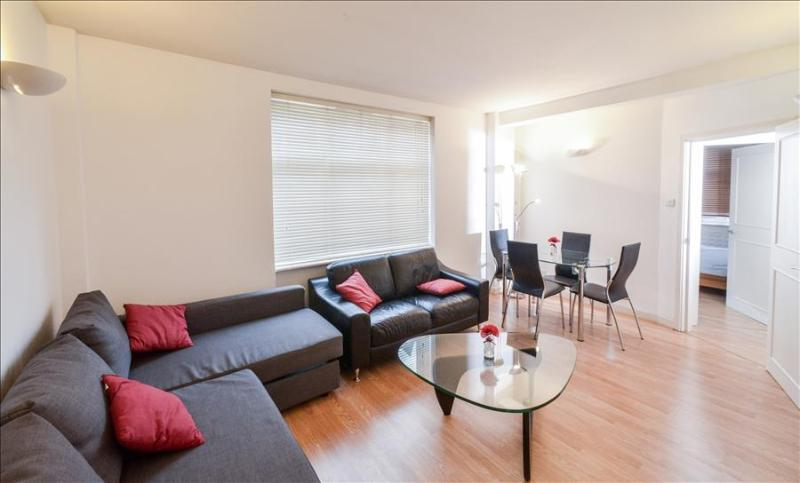 Delightful Two bedroom Apartment at Cliffords Inn - Image 1 - London - rentals
