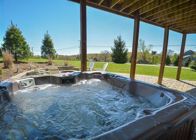 Hot Tub - Amazing 4 Bedroom Luxury home with hot tub close to Wisp & area activities! - Oakland - rentals