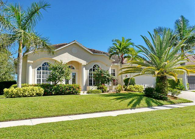 Newer built waterfront house w/ heated pool & short walk to Shops of Marco - Image 1 - Marco Island - rentals