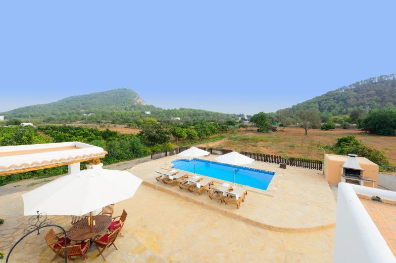 Villa Fatboy - Image 1 - Cala Llonga - rentals