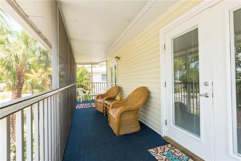 Sea Breeze Cottage, 3 Bedrooms, Pet Friendly, WiFi, Sleeps 8 - Image 1 - Fort Myers Beach - rentals