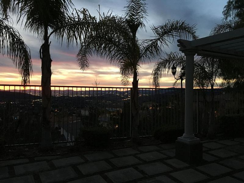 Sunset View of the San Fernando Valley - Rare City / Mountain View Home in Los Angeles, CA - Tujunga - rentals