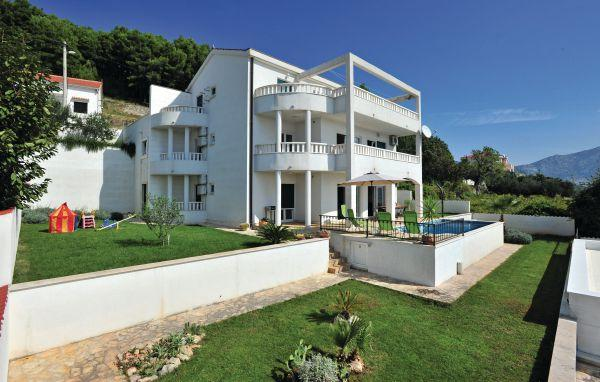 6 bedroom Villa in Split Solin, Central Dalmatia, Split, Croatia : ref 2046215 - Image 1 - Solin - rentals