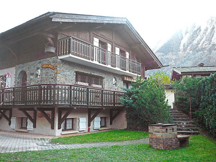 5 bedroom Villa in Chamonix, Savoie   Haute Savoie, France : ref 2057159 - Image 1 - Chamonix - rentals