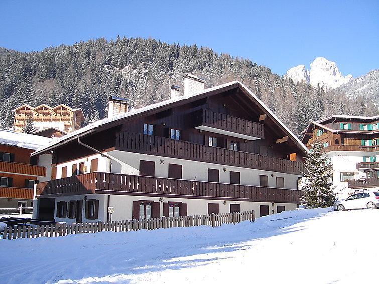 2 bedroom Apartment in Canazei, Dolomites, Italy : ref 2057676 - Image 1 - Campitello di Fassa - rentals