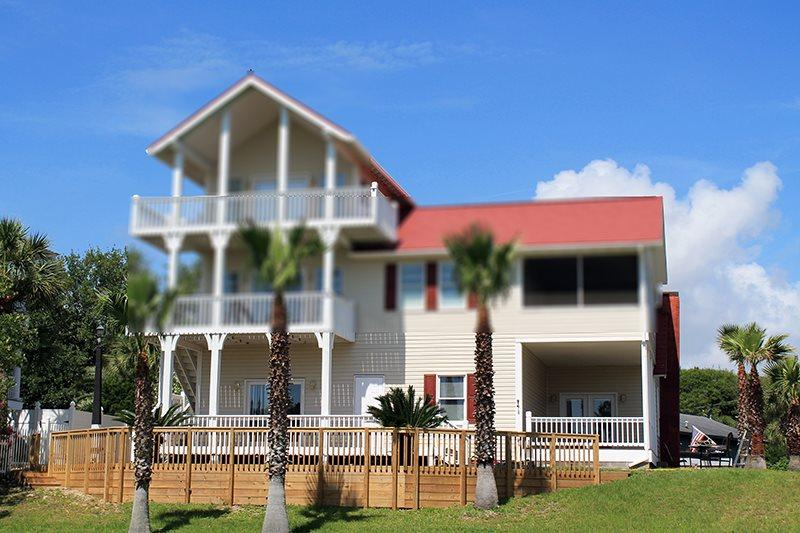 2 Railwood Avenue - Downstairs - Easy Beach Access - FREE Wi-Fi - Image 1 - Tybee Island - rentals