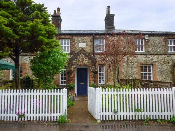 2 STATION COTTAGES, Grade II listed flint cottage, woodburner, enclosed garden, in Wymondham, Ref 936399 - Image 1 - Wymondham - rentals