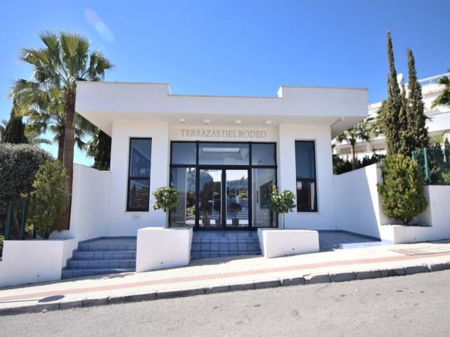 Terrazas del Rodeo 23260 - Image 1 - Marbella - rentals