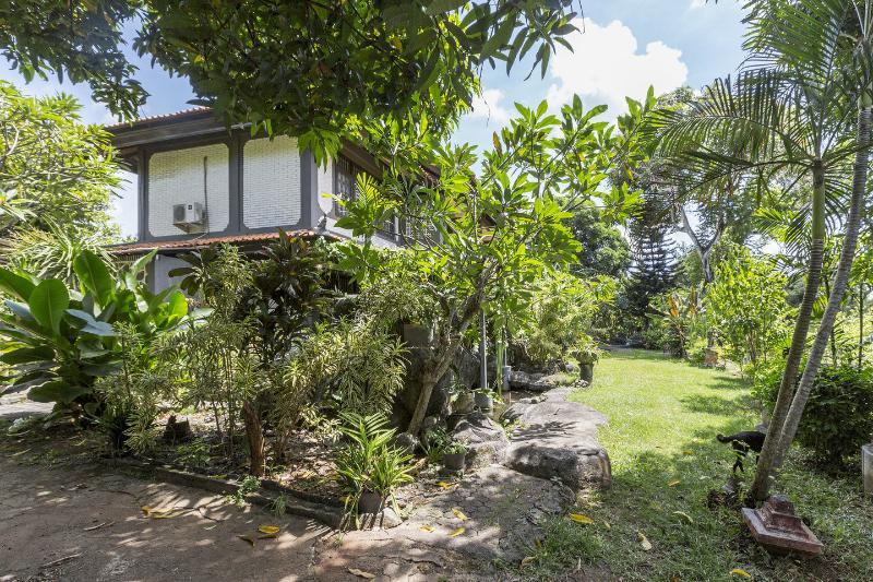 Garden - Kubu Kusambi. Simple home stay w/ harbor view - Jimbaran - rentals