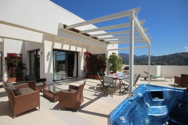 1867 - 3 bed penthouse, Samara Resort Los Monteros - Image 1 - Marbella - rentals