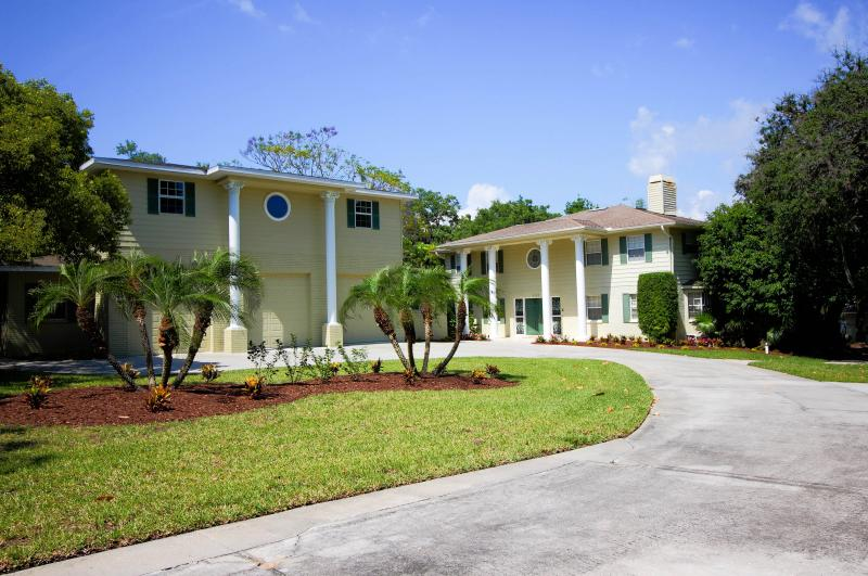 "Magnificent Dolphin Cove Villa Estate Pool Home. - ""New Listing"" Dolphin Cove Villa Waterfront Estate - Clearwater - rentals"