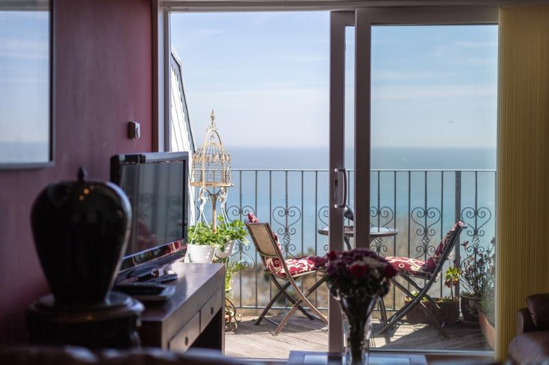17 The Priory located in Shanklin, Isle Of Wight - Image 1 - Sandown - rentals