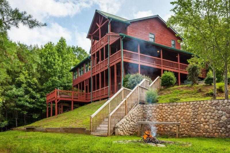 Carters Lake Lodge - Beautiful Custom Log Home - Image 1 - Ellijay - rentals
