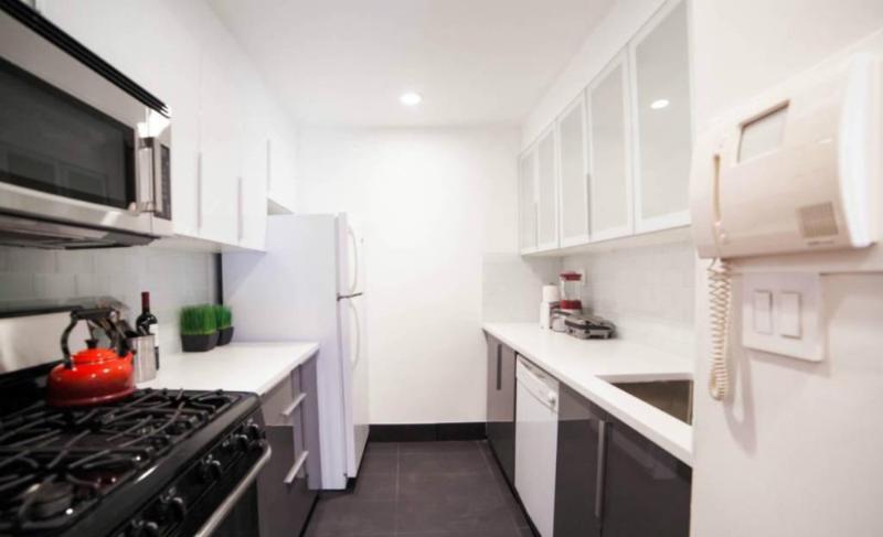 Lovely 2 Bedroom, 1 Bathroom Soho Apartment - Nice Hardwood Floors - Image 1 - New York City - rentals