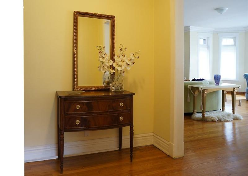 Furnished 3-Bedroom Condo at S Crandon Ave & E 74th St Chicago - Image 1 - Hyde Park - rentals