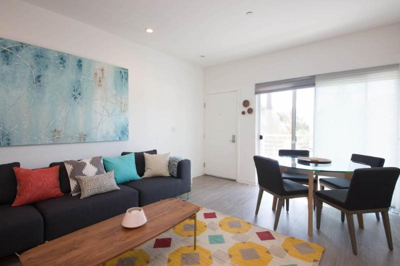 GORGEOUS 2 BEDROOM APARTMENT IN WEST LOS ANGELES - Image 1 - Westwood  Los Angeles County - rentals