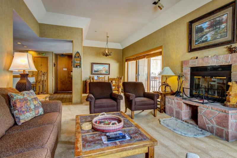 Skier's dream w/ski-in/out access, hot tub, pool, & more! - Image 1 - Durango - rentals