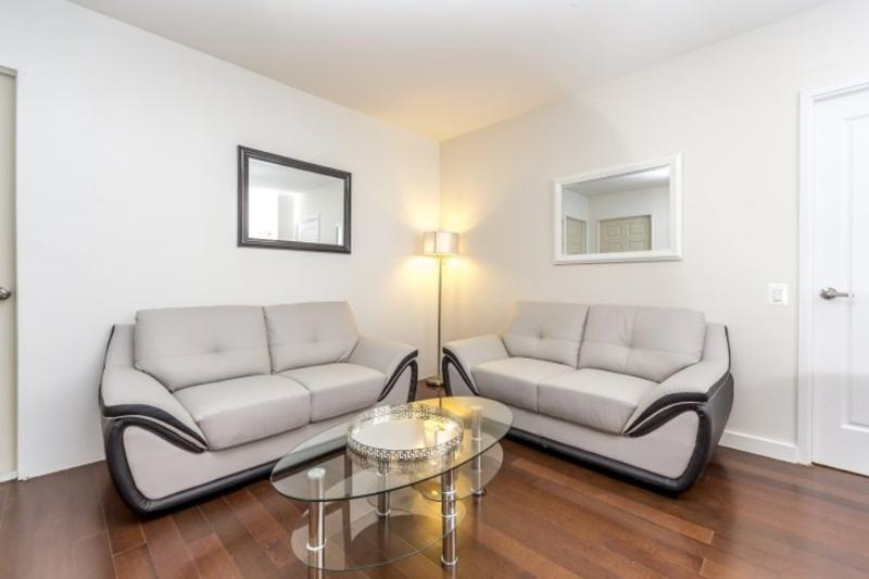CHARMING AND FURNISHED 3 BEDROOM, 2 BATHROOM APARTMENT - Image 1 - Long Island City - rentals