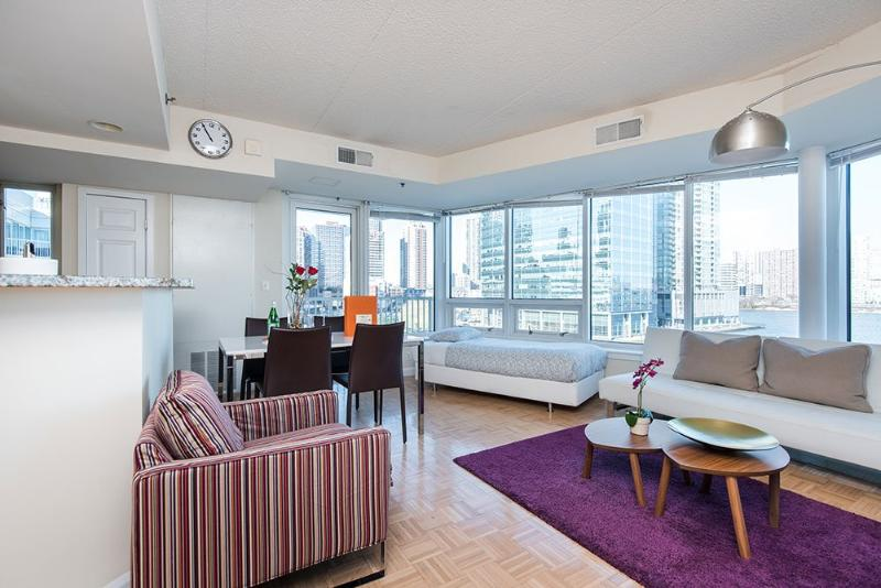 Beautiful Apartment - Modern 2 Bedroom, 2 Bathroom Unit in Jersey City - Image 1 - Jersey City - rentals
