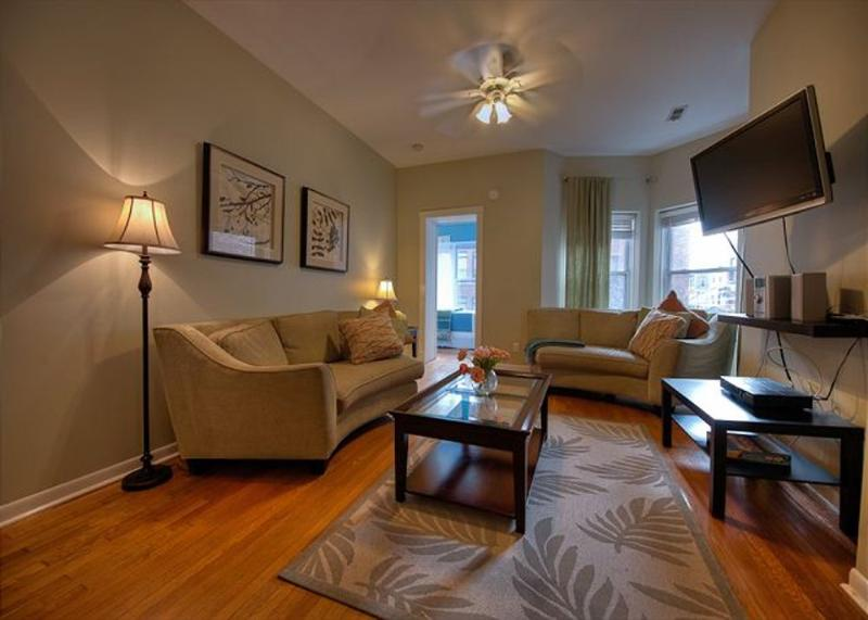Furnished 4-Bedroom Apartment at W Wrightwood Ave & N Orchard St Chicago - Image 1 - Chicago - rentals