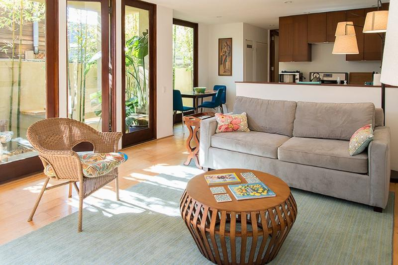 Furnished 1-Bedroom Apartment at Pacific Ave & Dudley Ct Los Angeles - Image 1 - Venice Beach - rentals