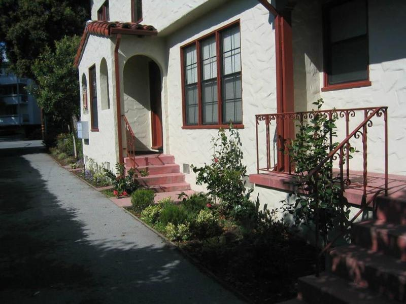 CHARMING AND MODERN 1 BEDROOM 1 BATHROOM NEWLY REFURBISHED FURNISHED APARTMENT - Image 1 - San Mateo - rentals