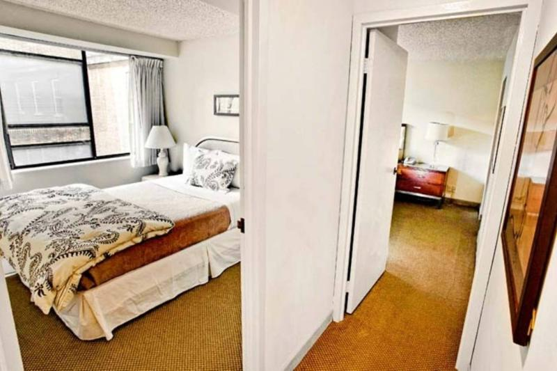 2 bedroom/2 bath in Georgetown - Image 1 - Rosslyn - rentals