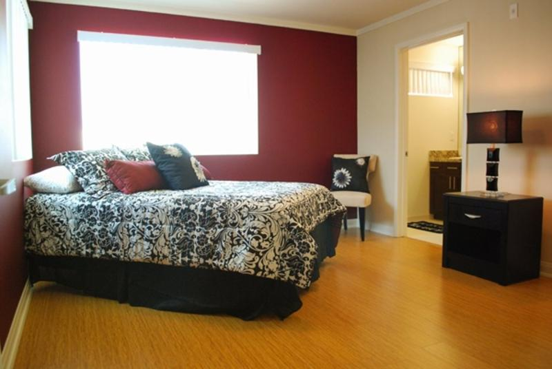 UPSCALE 2 BEDROOM 2 BATHROOM FURNISHED APARTMENT - Image 1 - North Hollywood - rentals