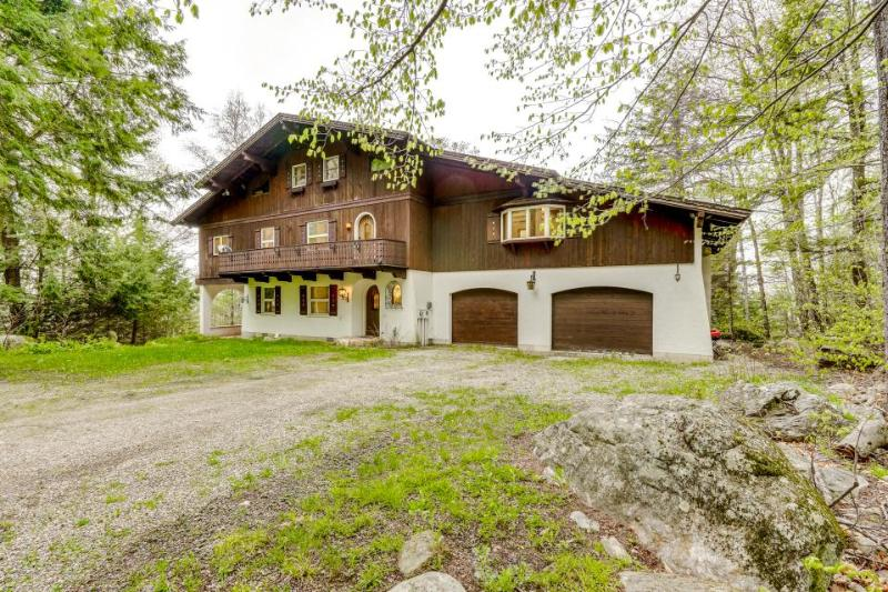 Gorgeous mountain lodge w/ nearby skiing, hiking & golf - beautiful setting! - Image 1 - Mendon - rentals