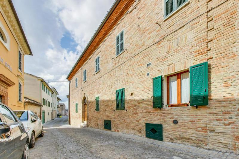 Escape to the Middle Ages in this historical Italian abode! - Image 1 - Serra de' Conti - rentals