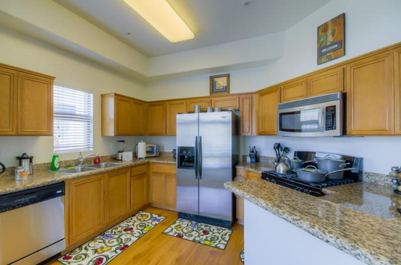 UPSCALE FURNISHED 2 BEDROOM 2 BATHROOM  APARTMENT - Image 1 - Los Angeles - rentals